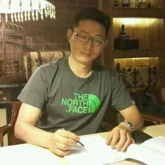 刘星,男,现任安徽省四川乐虎国际登陆常务副会长,合肥市蓝光房地产开发有限公司总经理。
